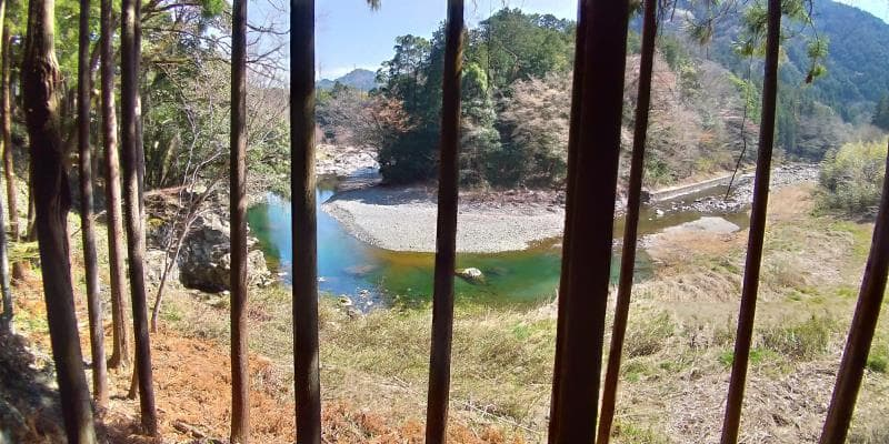 林道から眺めた秋川