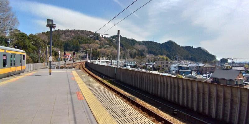 武蔵五日市駅のホームからの眺め