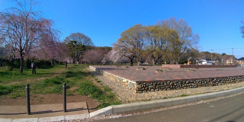 武蔵国分寺跡の広場
