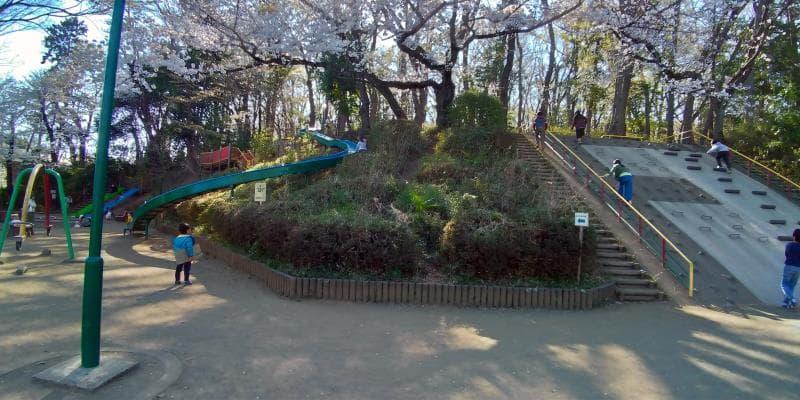 黒鐘公園のローラー滑り台