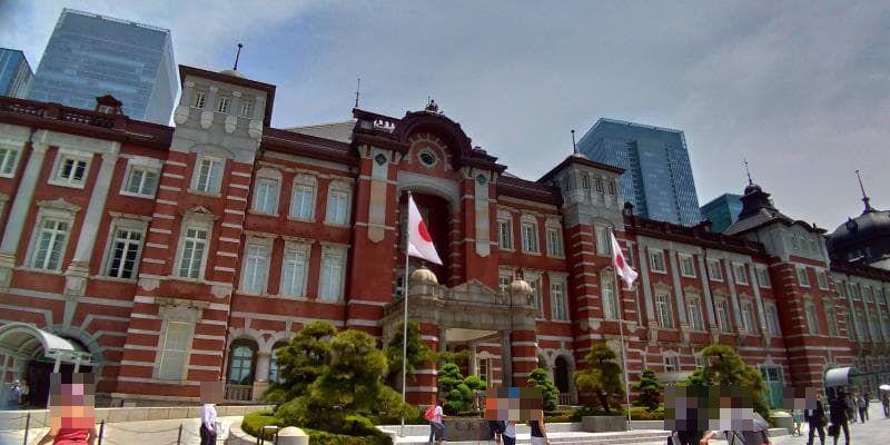 近づいて撮った東京駅舎