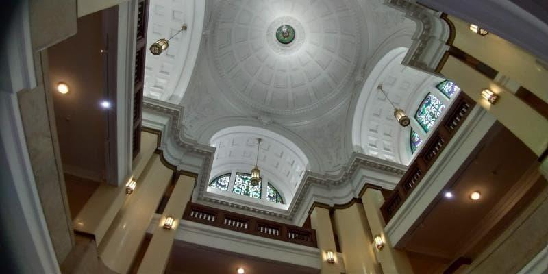 球状の天井